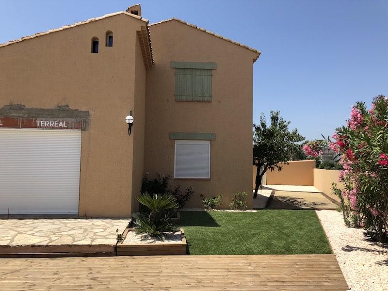 Espace terrasse après travaux réalisés à Sauvian