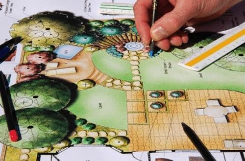 plan a la main pour dessiner les contours du projet client